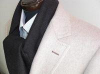 白いオーダースーツのジャケット