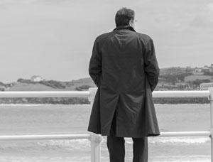 ポイントをおさえよう! スーツに合わせるコートの選び方の画像