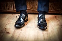 合わせ方で印象が変わる!? スーツに合う靴の種類の画像