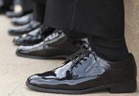 黒のスーツと革靴と靴下