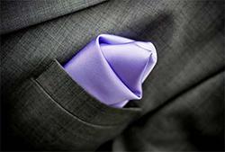 ポケットチーフの4つの折り方と入れ方の画像