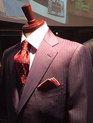着こなせストライプスーツ! 高級感が男の色気を引き立てる