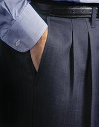 「タック」の本数で印象が変わる? スーツのタックの役割とは