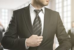 【イージーオーダー・フルオーダー】スーツをワンランク上に着こなすための選び方とはの画像
