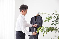 スーツを生かすシャツのアイロンがけのコツ