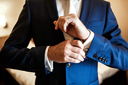 季節を問わず着こなせる通年スーツ「ドーメル・アマデウス365」の魅力