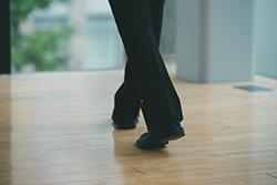 スーツのスラックスの裾丈の3つの合わせ方とは?の画像