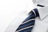 ストライプのYシャツとネクタイ
