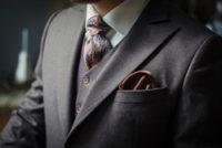 スーツの着こなし術を身につけてワンランクアップさせよう