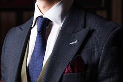 スーツの襟(ラペル)の形はどうする? 襟の種類やシーン別イメージの画像