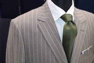ランバン差し色がステキなオーダースーツ|Fashion AT Men'sの画像