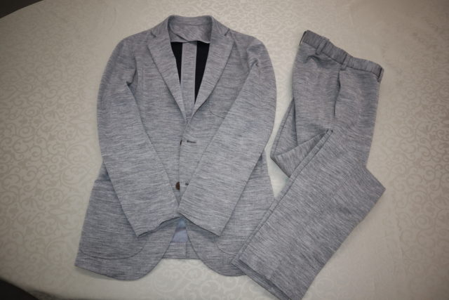 ジャージースーツ