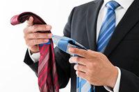 秋冬ネクタイは温かみを感じる素材選びを