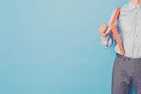 スーツ姿をより洗練させるサスペンダーの着こなし術の画像