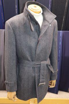 大きめヘリンボーン柄のスリムコート|Fashion AT Men'sの画像