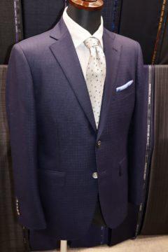 スキャバル紺の織柄でオーダースーツ|Fashion AT Men'sの画像
