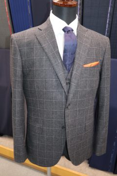 フランネル調のカルロバルベラ3ピーススーツ|Fashion AT Men'sの画像