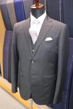 オーダーならジャケットとベストの裏地変更OK|Fashion AT Men'sの画像