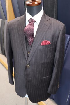 ゼニアヘリテイジ光沢感ある3ピーススーツ|Fashion AT Men'sの画像