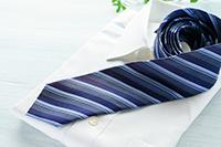 ネクタイにアイロンをかける際のポイントは?の画像