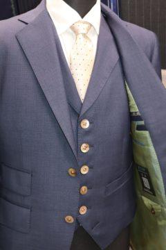 ドーメルエコーでこだわり満点のスーツ|Fashion AT Men'sの画像