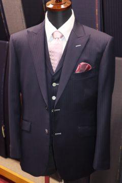 アマデウスアクションで3ピーススーツ|Fashion AT Men'sの画像