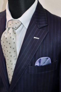ドーメルアマデウスの幅広ストライプスーツ|Fashion AT Men'sの画像
