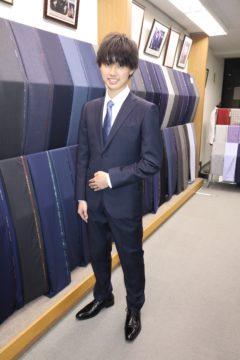 カノニコ紺無地で初めてのオーダースーツ Fashion AT Men'sの画像