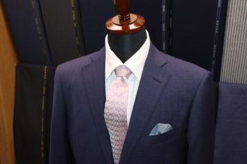 スモーキーな紺のゼニアトラベラースーツ|Fashion AT Men'sの画像