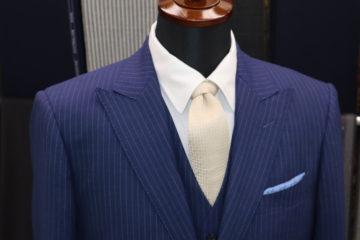 ピークドラペルのカノニコシングルスーツ|Fashion AT Men'sの画像